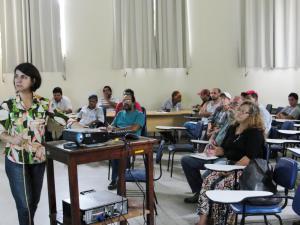 Dia de campo sobre manejo fitossanitário reúne agricultores familiares na Fazendinha