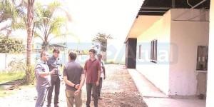 OS SECRETÁRIOS encontraram a Escola Municipalizada Santa Sofia em fase final de reconstrução. (FOTOS DIVULGAÇÃO / LUIZ CALDERINI)