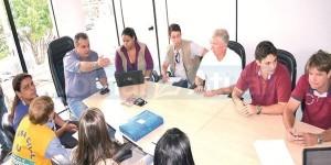 Secretários se reuniram com técnicos do DRM-RJ para pontuar as áreas de risco em Seropédica. (Foto: Levi Oliveira)