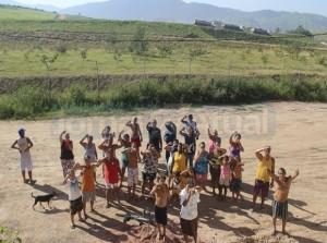 Moradores reivindicam soluções para problemas causados pelo odor do lixo FOTO: AGÊNCIA BRASIL