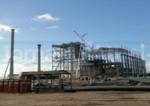 A Petrobras fechou contrato com a empresa sueca Skanska, responsável pela implantação da termelétrica Baixada Fluminense